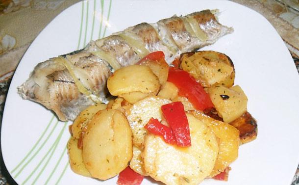 Рецепты минтай с картошкой в духовкеы с фото пошагово в